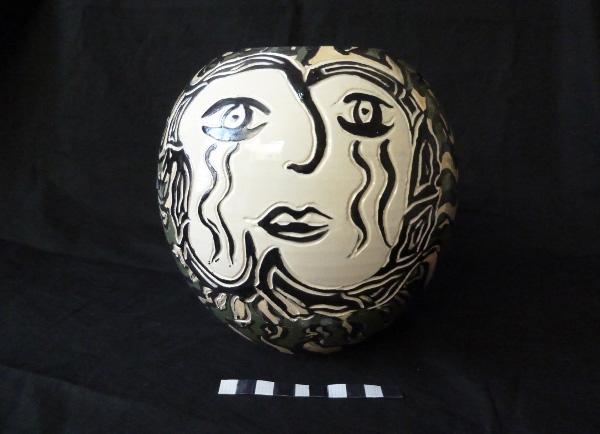 Restauration d'un vase en faïence